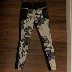 Koral floral leggings